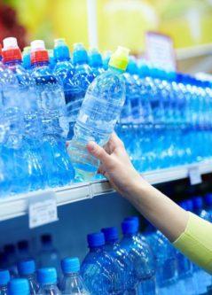 Pet-Flaschen geben Plastik ab und zerfallen erst in 450 Jahren , www.gesundheitsjournalistin.ch